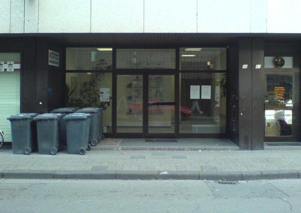 Eingang 3 Königen Straße vor der Sanierung